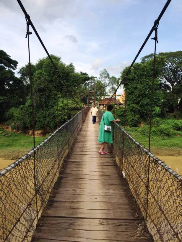Suspension-bridge-Battambang